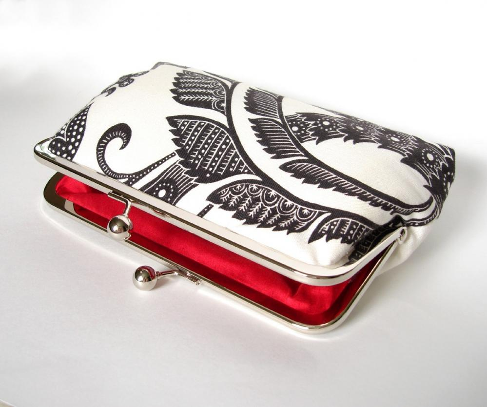 Silk Lined Black and White Floral Frame Kisslock Clutch Handbag