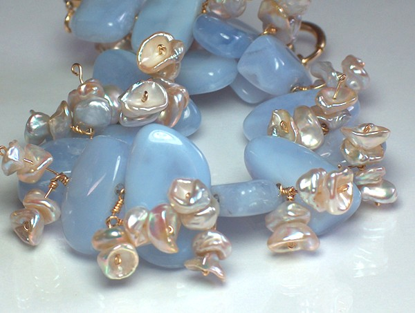 Bold Chalcedony, Keishi Pearl and Solid Gold Bracelet