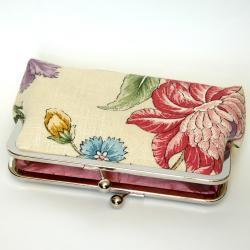 Clutch Frame Kisslock Purse Lined in Silk in a Linen Flower Print